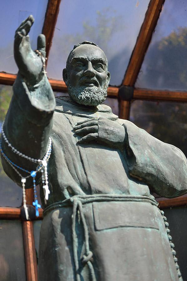 statua_padrepio1